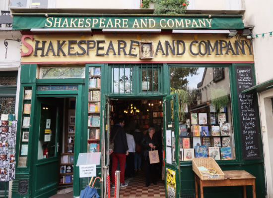 shakespeare-and-co3